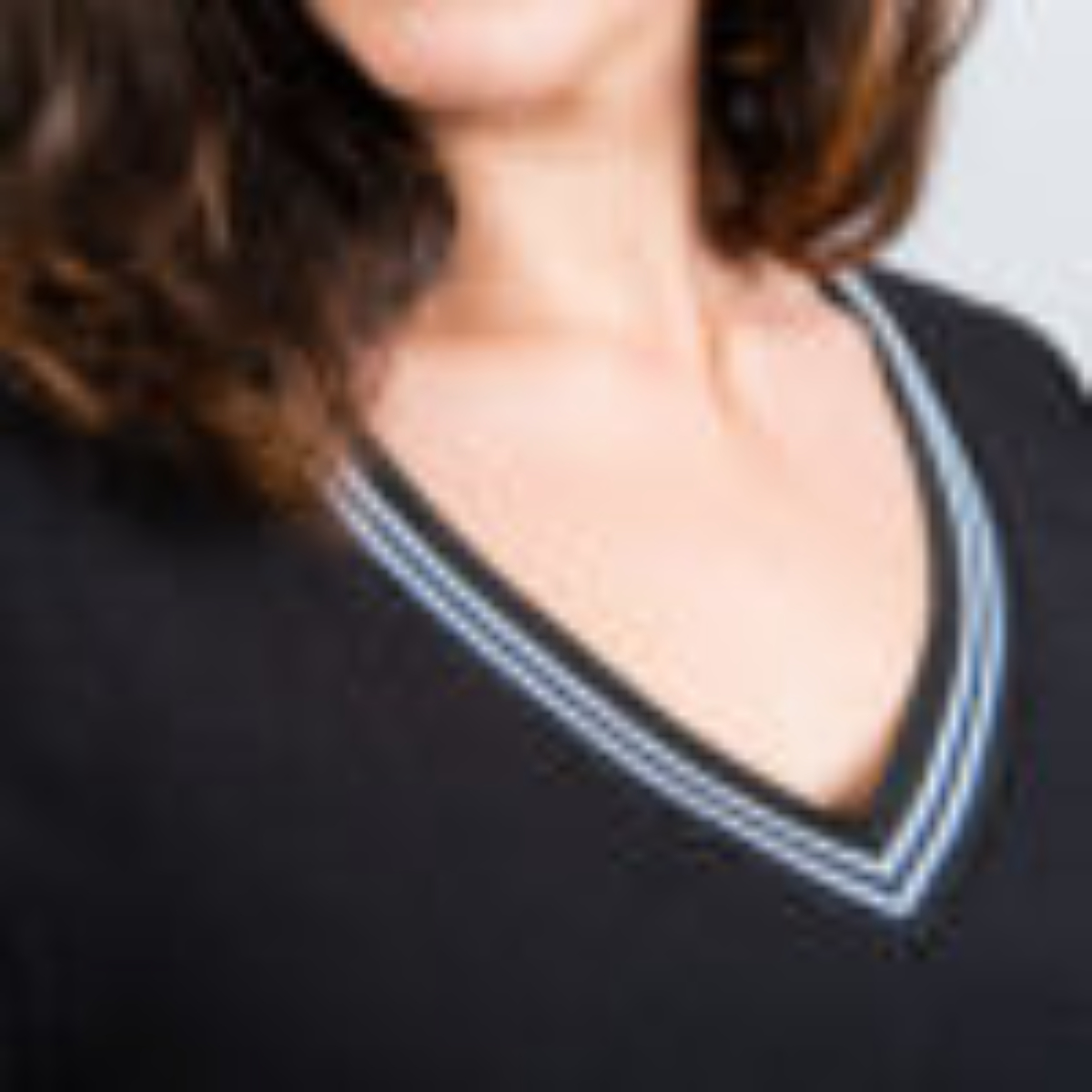 """Black """"London"""" blouse with striped collar and cuffs"""